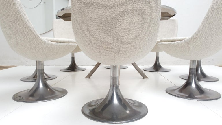 8 Space Age Swivel Dining Chairs, Cast Aluminum Tulips Base and New Upholstery For Sale 8