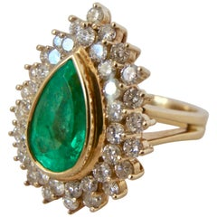 8.00 Carat Colombian Natural Emerald Diamonds Cocktail Ring 18 Karat Gold