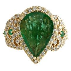 8.00 Carat Emerald 18 Karat Yellow Gold Diamond Ring