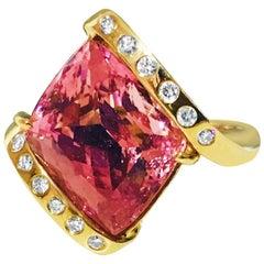 8.00 Carat Fancy Cut Kunzite Diamond Cocktail Ring 14 Karat Yellow Gold