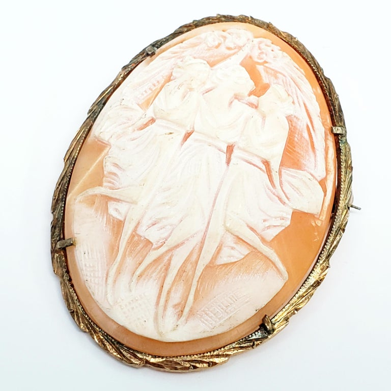 800 Silver Gold Vermeil Three Ladies Dancing Cameo Brooch / Pendant For Sale 1