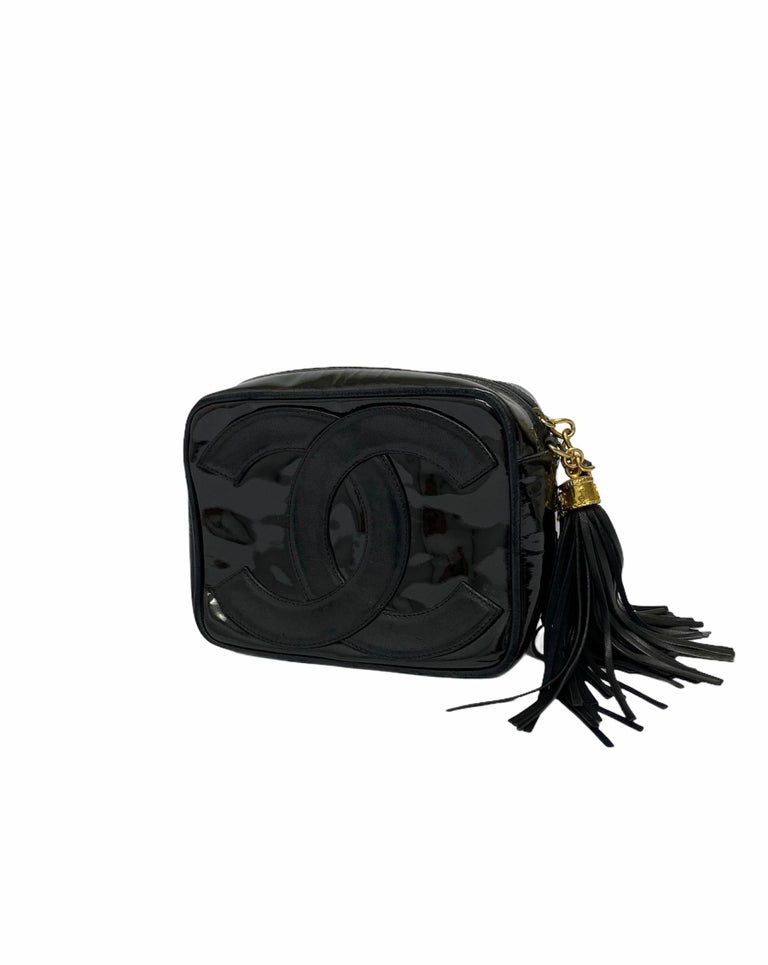 Women's 80's Chanel Black Leather Camera Bag For Sale