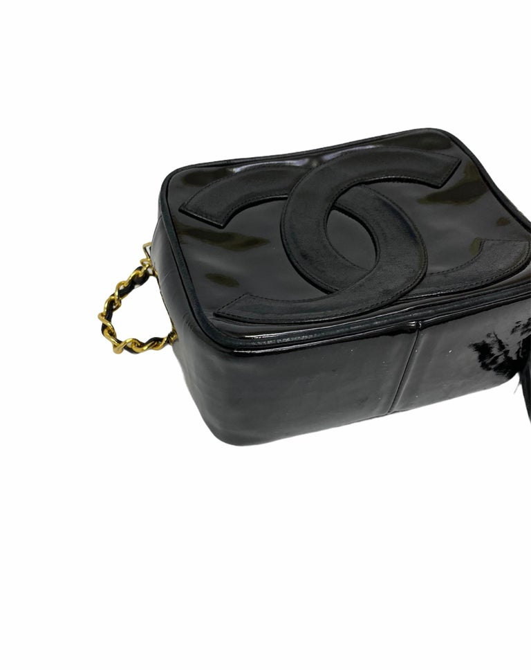 80's Chanel Black Leather Camera Bag For Sale 2