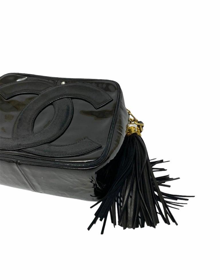 80's Chanel Black Leather Camera Bag For Sale 3