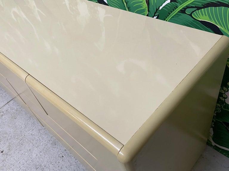 80s Seven Drawer Brass Plinth Dresser by Lane For Sale 4