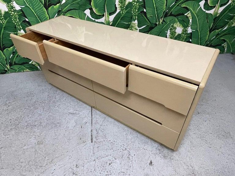 80s Seven Drawer Brass Plinth Dresser by Lane For Sale 1