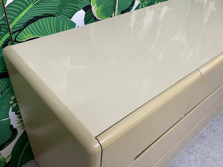80s Seven Drawer Brass Plinth Dresser by Lane For Sale 3