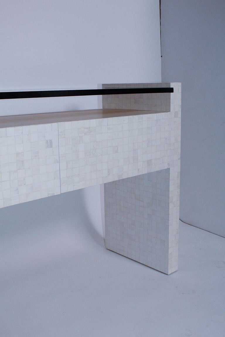 Hand-Crafted 1980s Tessellated Bone Console with Amber Glass Top For Sale