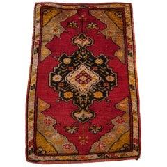 """819 - """"Yastik"""" Turkish Carpet, 20th Century"""