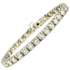 8.25 Carat 18 Karat White Gold Diamond Tennis Bracelet