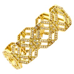 8.25 Carat 18 Karat Yellow Gold Diamond Octagon Link Bracelet