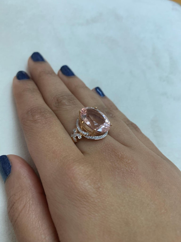 Oval Cut 8.3 Carat Morganite and Diamond Ring in 18 Karat Rose Gold For Sale