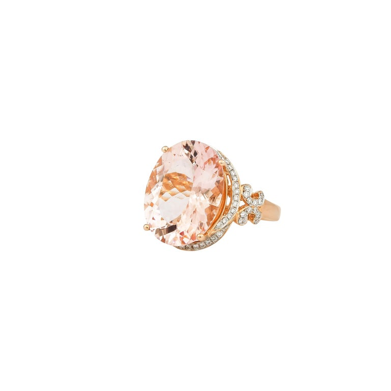 8.3 Carat Morganite and Diamond Ring in 18 Karat Rose Gold In New Condition For Sale In Hong Kong, Kowloon