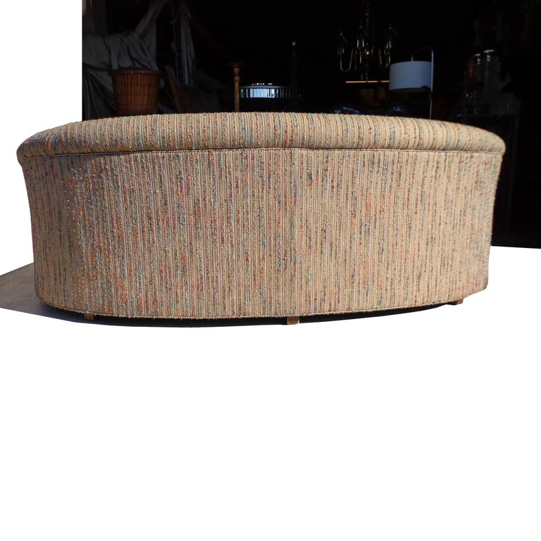 Modern Curved Kidney Shaped Sofa In Good Condition In Pasadena, TX