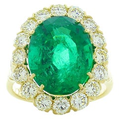 AGL Certified 8.30 Carat Oval Emerald & Diamond Ring in 18K Yellow Gold