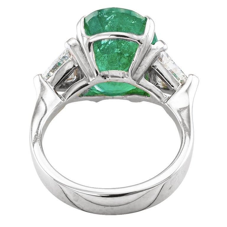 8.32 Carat Emerald Diamond Three-Stone White Gold Ring In Good Condition For Sale In Los Angeles, CA