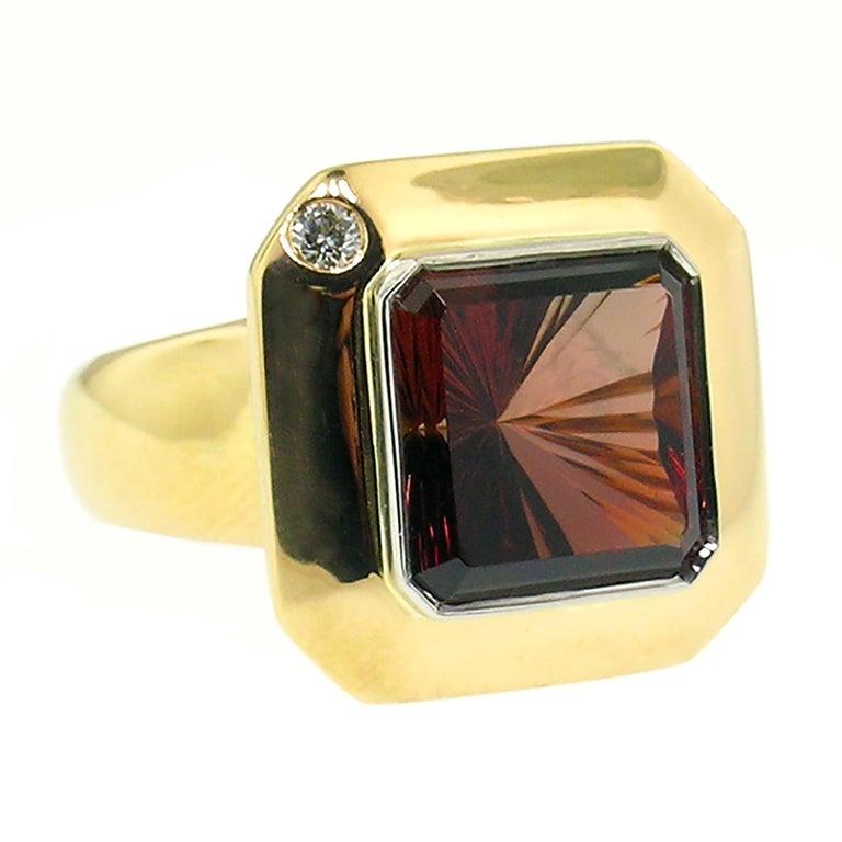 Contemporary 8.43 Carat Oregon Sunstone and Diamond 18 Karat and Platinum Ring For Sale