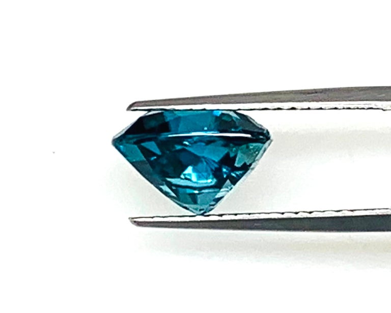 8.46 Carat Blue Zircon Trillion, Unset Loose Gemstone for Ring or Drop Pendant For Sale 2