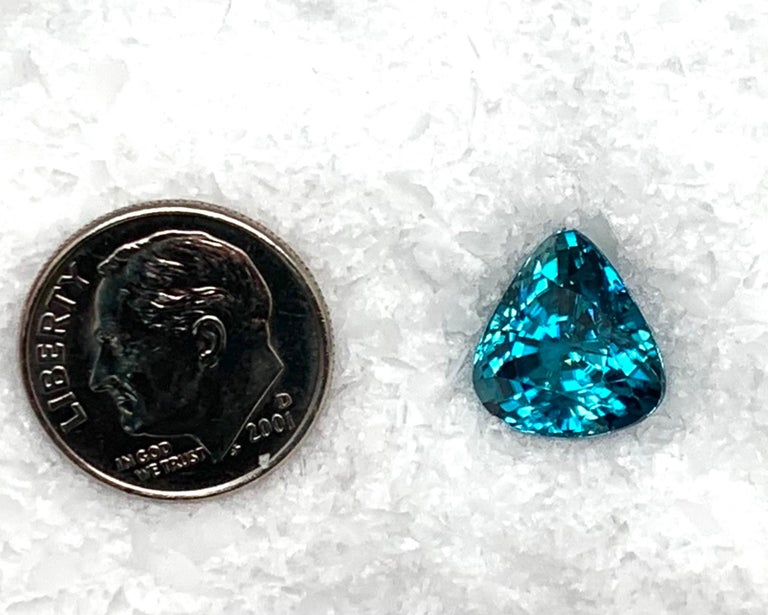 8.46 Carat Blue Zircon Trillion, Unset Loose Gemstone for Ring or Drop Pendant For Sale 3