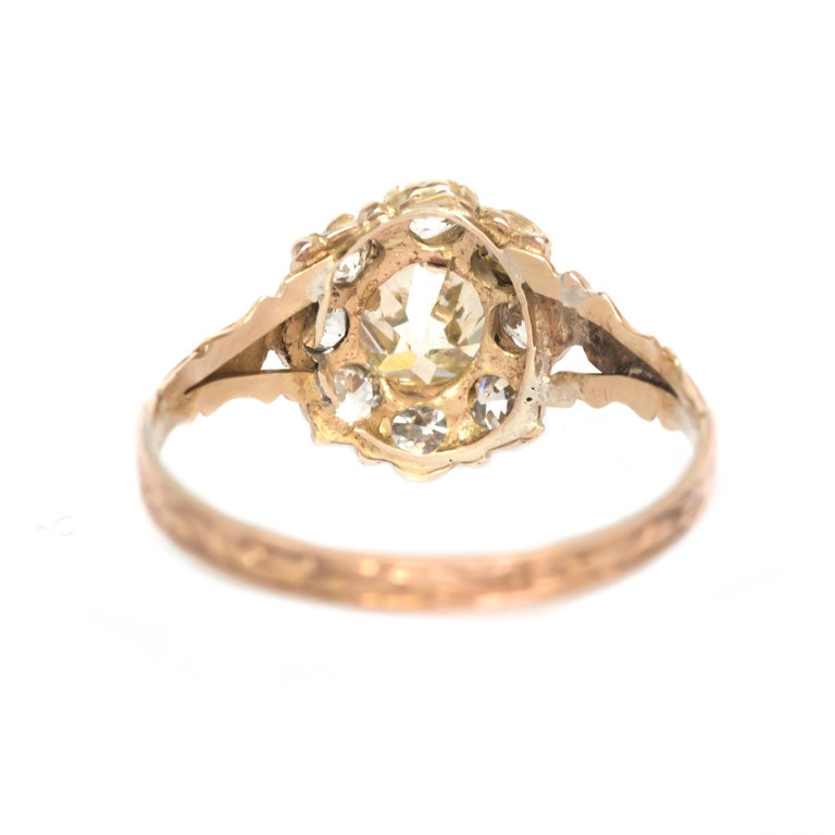 .85 Carat Diamond Yellow Gold Engagement Ring In Good Condition For Sale In New York, NY