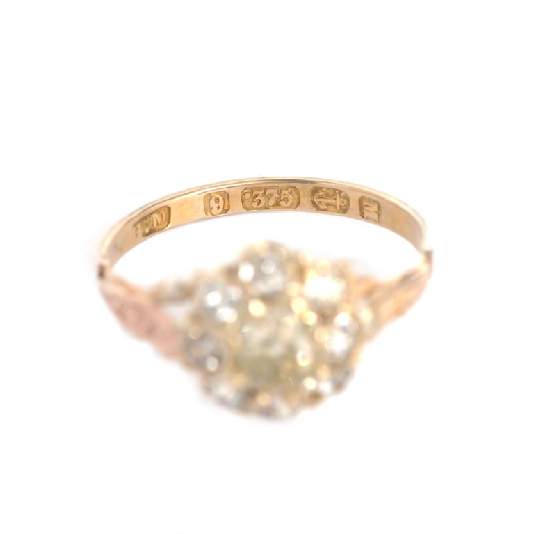 Women's or Men's .85 Carat Diamond Yellow Gold Engagement Ring For Sale