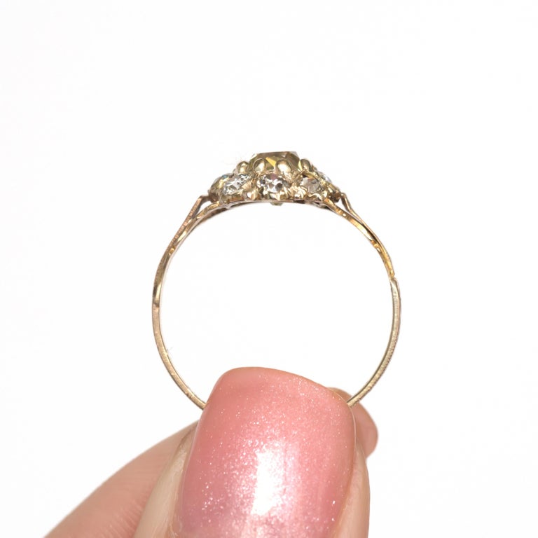 .85 Carat Diamond Yellow Gold Engagement Ring For Sale 1