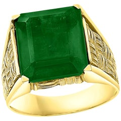 8.5 Carat Emerald Cut Brazilian Emerald 18 Karat Yellow Gold Men's Ring