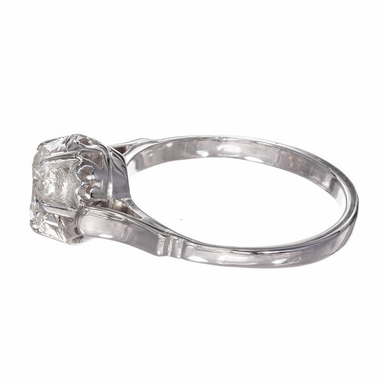 .85 Carat Round Diamond Platinum Gold Solitaire Engagement Ring In Good Condition For Sale In Stamford, CT