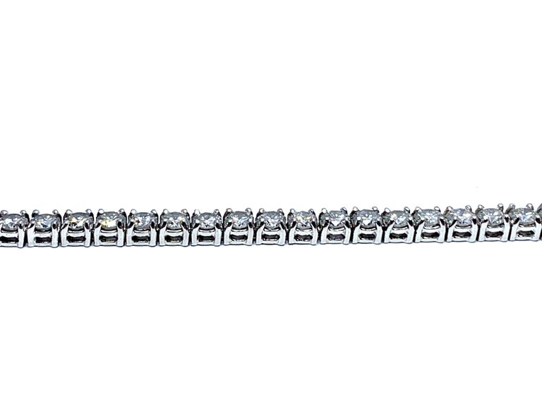 Women's or Men's 8.50 Carat Round Brilliant Diamond Platinum Straight Line Tennis Bracelet For Sale
