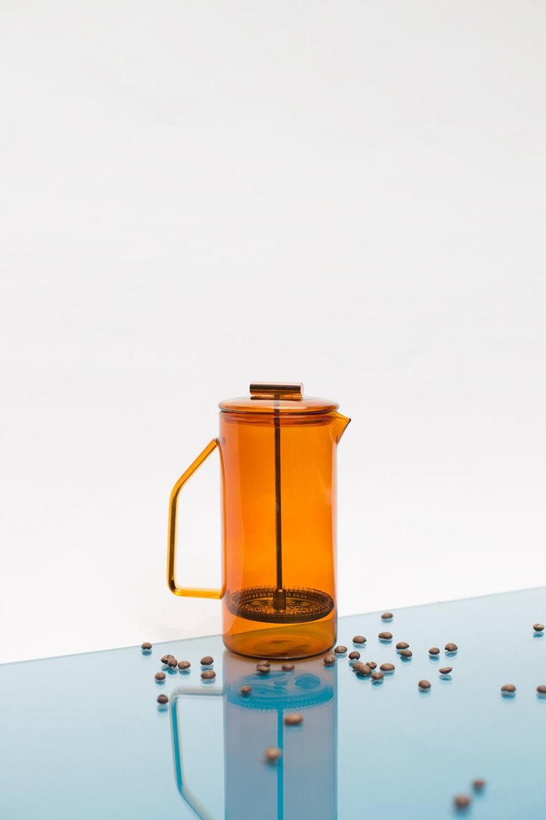 850 mL Glass French Press, Amber In New Condition For Sale In St. Augustine, FL