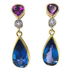 8.52 Carat Tanzanite with Garnet and Diamonds 18k Yellow Gold Dangle Earrings