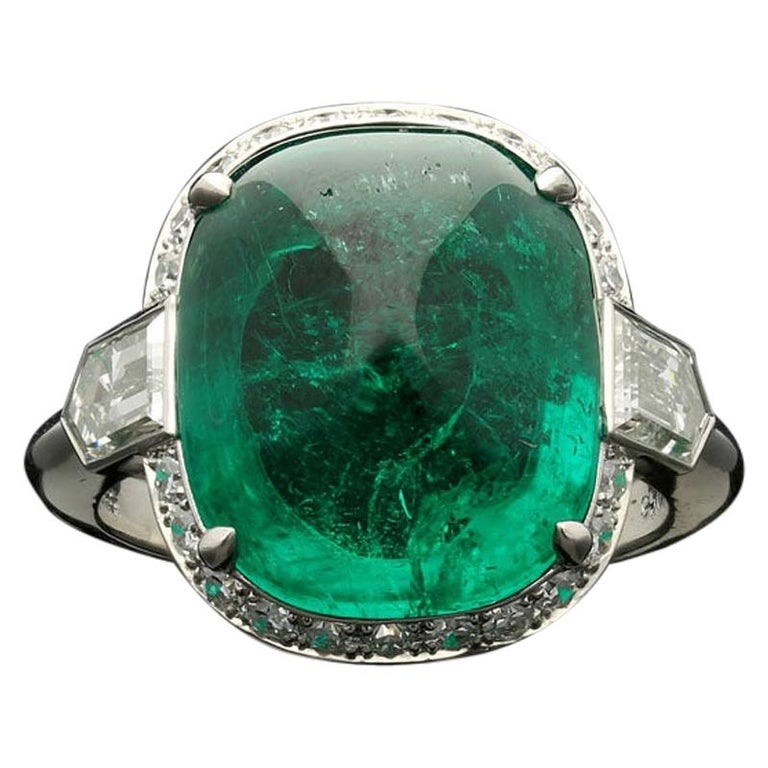 8.59 Carat Sugar Loaf Cabochon Colombian Emerald Ring with Diamond Halo For Sale