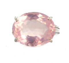 8.75 Carat Glowing Rose Quartz Ring