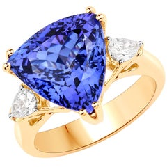 8.78 Carat Genuine Tanzanite and White Diamond 18 Karat Yellow Gold Ring