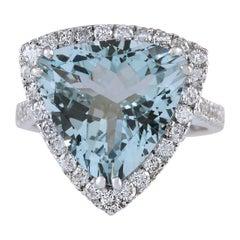 8.96 Carat Natural Aquamarine 18 Karat White Gold Diamond Ring