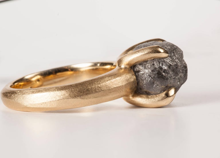 8.96 Carat Rough Black-Grey Diamond Solitaire Cocktail Ring In New Condition For Sale In Copenhagen, DK