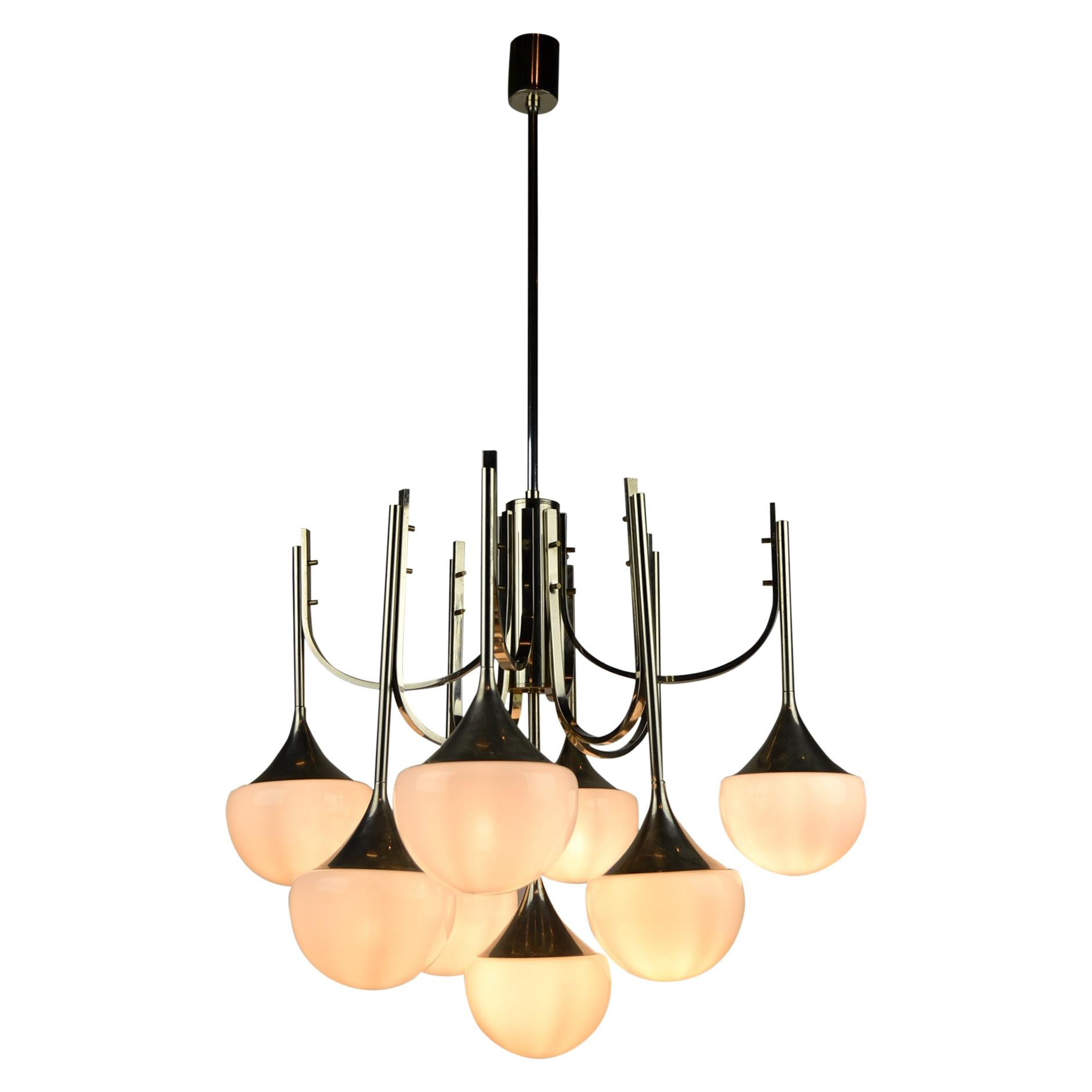 Goffredo Reggiani 9 Armed Trumpet Chandelier, Italy, 1970s, Chrome and Opaline
