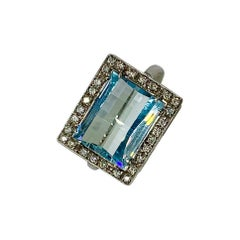 9 Carat Aquamarine 30 Diamond Ring 18 Karat Gold Fancy Beveled Checkerboard Cut