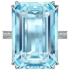9 Carat Aquamarine Diamond 14 Karat White Gold Ring