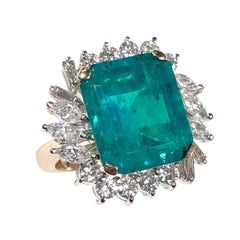 9 Carat Fine Columbian Emerald Diamond Platinum and Gold Ring