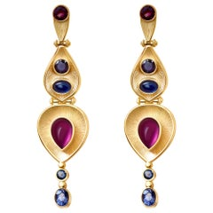 9 Carat Garnet Color Change Sapphire Spinel 18 Karat Yellow Gold Egypt Earrings