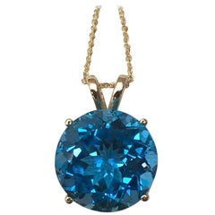 9 Carat Swiss Blue Topaz Round Cut 14 Karat Yellow Gold Pendant Necklace