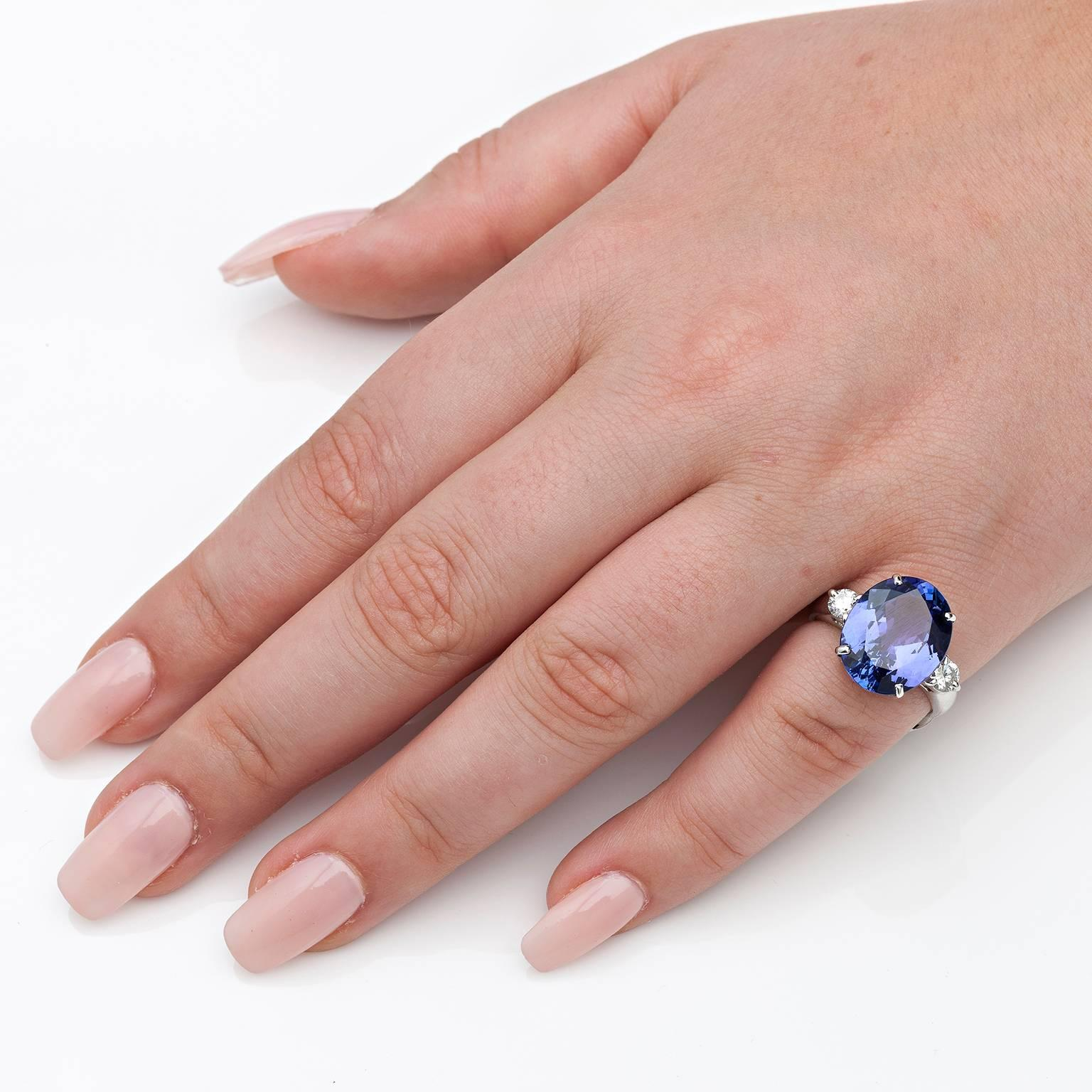 9 Carat Tanzanite and Diamond Ring For Sale at 1stdibs