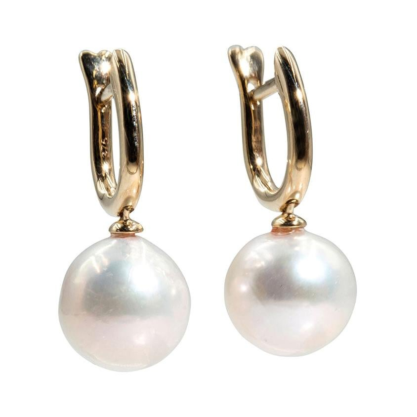 9 Carat Yellow Gold and Round Freshwater Pearl Vintage Drop Earrings