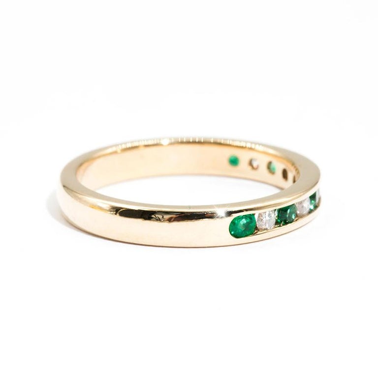 Contemporary 9 Carat Yellow Gold Round Green Emerald and Diamond Vintage Eternity Band Ring For Sale