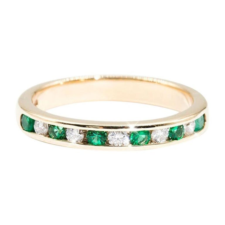 9 Carat Yellow Gold Round Green Emerald and Diamond Vintage Eternity Band Ring For Sale