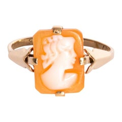 9 Carat Yellow Gold Shell Cameo Vintage Ring