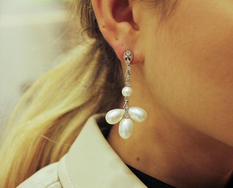 9 G White Pearls, 0.45 Carat White Diamonds White Gold Chandelier Earrings For Sale 1