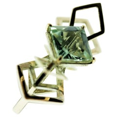 9 Karat British Gold and Natural Green Quartz Cocktail Ring