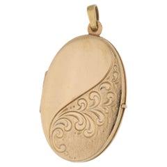 9 Karat Gold Engraved Locket